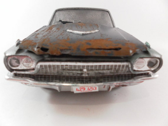 1966 Ford thunderbird 1/24 scale model in silver and black