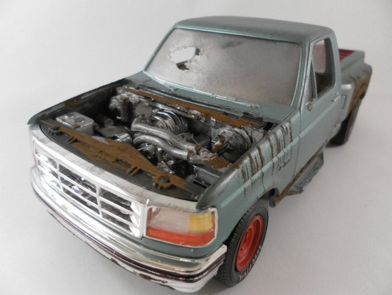 1990 Ford 150 truck in 1/24 scale model car in green