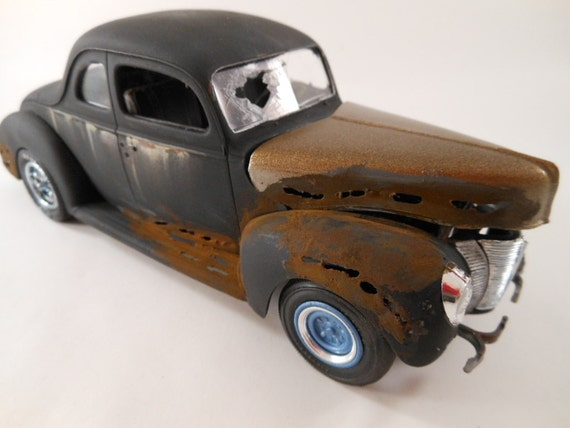 1940s Ford coupe 1/24 scale model in black