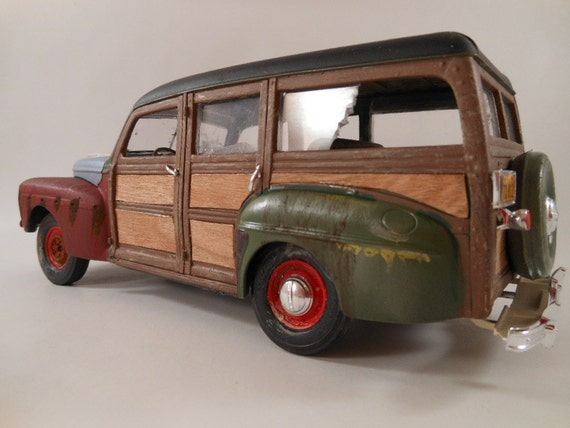 1940s Ford woody 1/24 scale model car in green