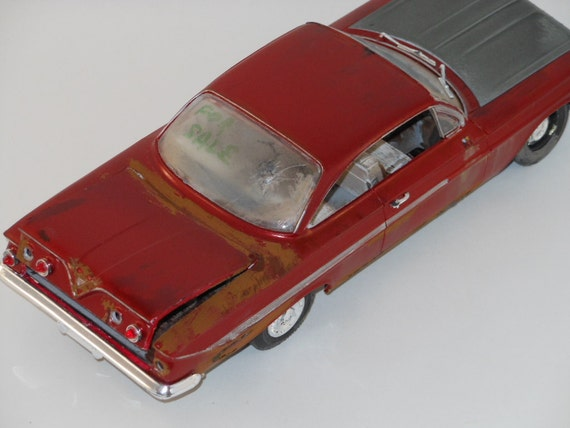 1961 Chevrolet impala 1/24 scale model car in red