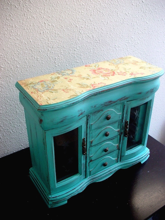 Large Early Spring wooden jewelry box