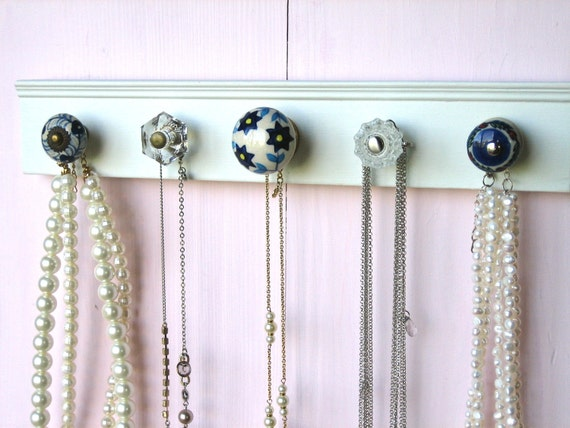 Hanging Wall Display Jewelry Rack with 5 Blue and Clear Knobs