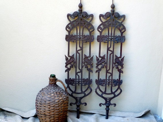 RESERVED for LISA Antique Iron Architectural Salvage Baluster// 1920s European Art Nouveau Rustic Ornamental Wall Hanging