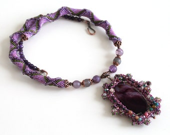 Violet purple green necklac. Bead crochet  necklace with purple agate pendant.