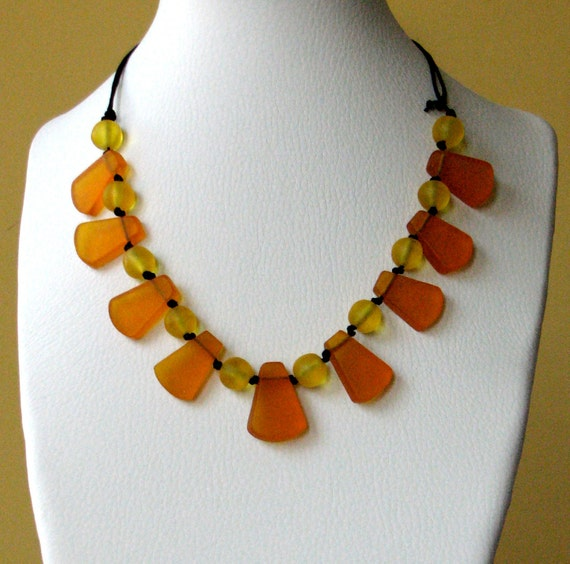 Mommy Necklace - Babyproof Non Toxic Resin Nursing Breastfeeding Necklace - Orange & Yellow Fan Necklace