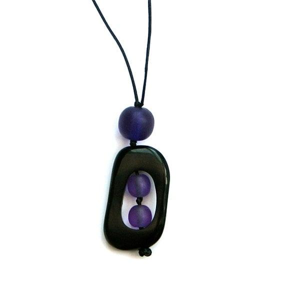 Nursing Mom Necklace - Non Toxic Resin Babywearing/Breastfeeding Necklace - Purple and Black