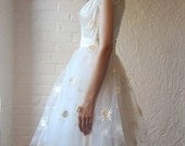 50s wedding dress // ivory tulle and satin // floral applique
