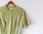 50s 60s floral dress . spring fashion . shirtwaist dress