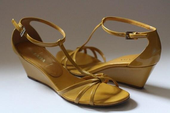 Vintage Prada yellow shoes, size 38.5