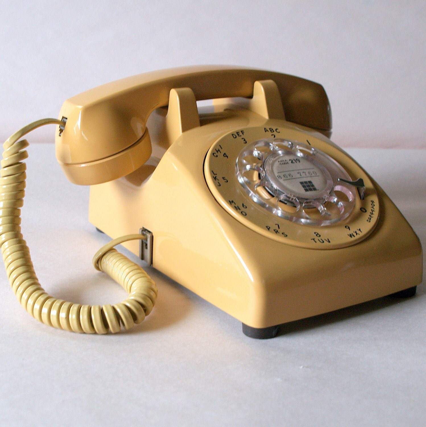60s working buttercream telephone retro by acesfindsvintage. Black Bedroom Furniture Sets. Home Design Ideas
