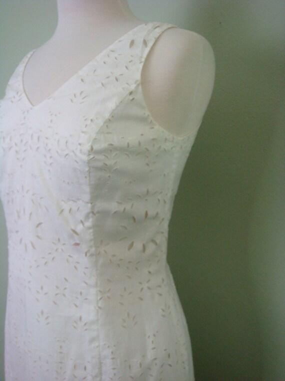 Vintage Dress White Dress Eyelet Dress Wedding Dress Sleevless Dress V Neck Dress Isabel Ardee Vintage Dress