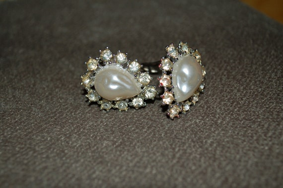 Vintage Raindrop Faux Pearl and Rhinestone Clip Earrings PIF