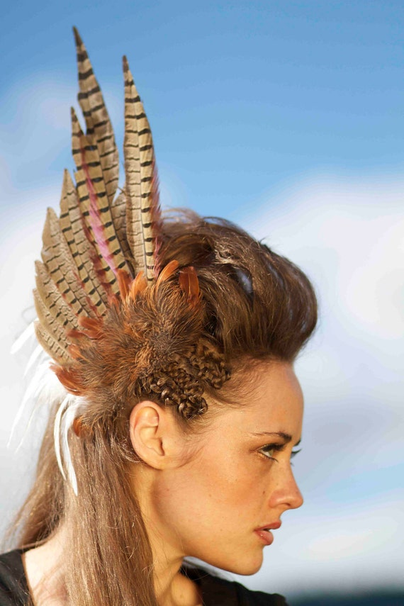 Feather Hair Clip - Griffin's Wing Feather Hair Clip