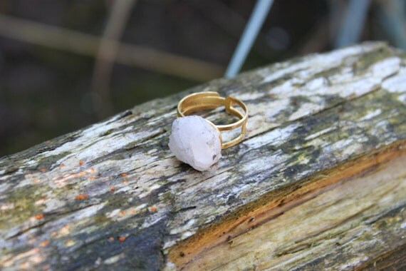 Shiny White Rock Shiny White Rock Ring