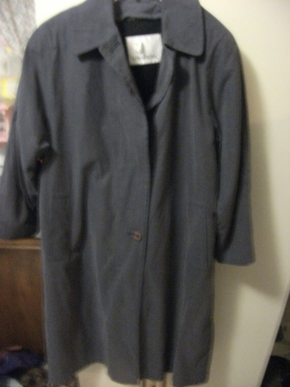 Ladies Vintage Gray London Fog Jacket Rain Coat with zip out liner size 8 mint condition Only 8 USD