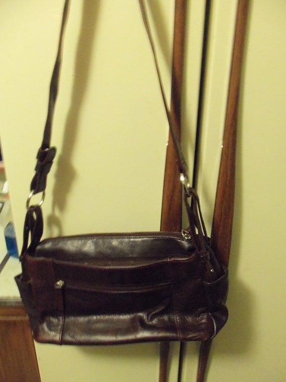 Vintage Aurielle Designer Genuine Leather Shoulder Bag Purse w Adjustable Strap and inside Zip Pocket ONLY 12 USD