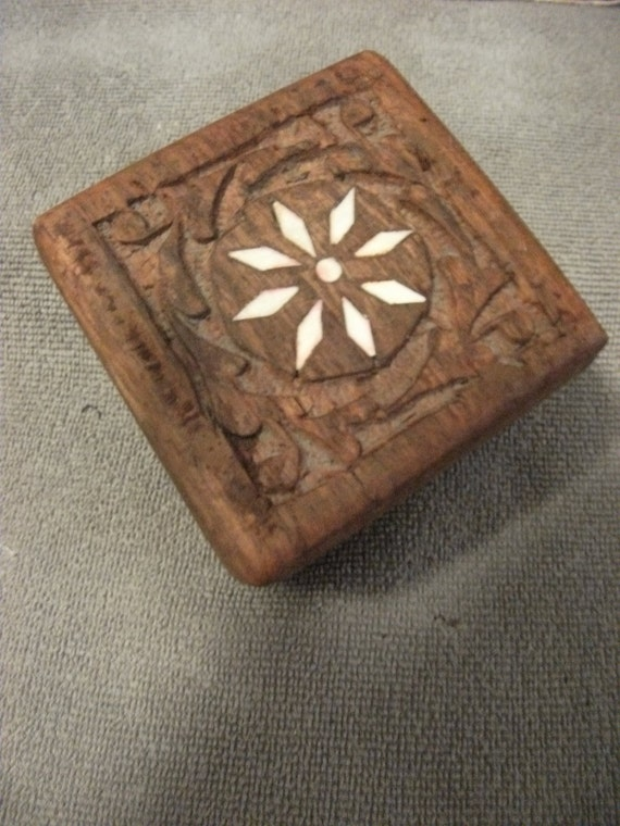 Vintage Hand Carved Wooden RoseWood Box with Diamond Shaped Inlay on Top Only 6 USD