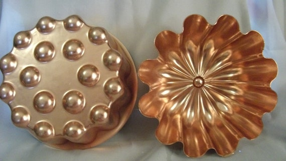 Set of Two Vintage 1950s Fancy Copper Molds In mint condition Can be used for Jello,or Ice Only 8 USD