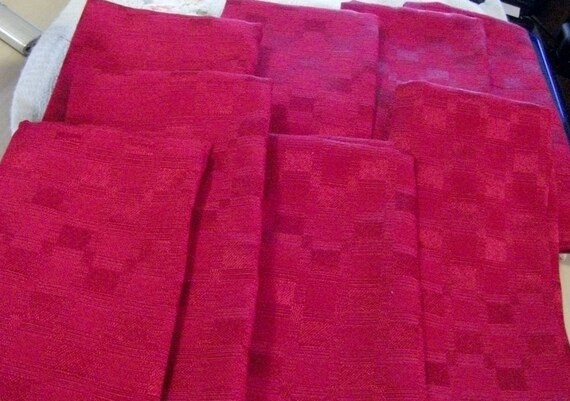 Vintage Cloth Napkins Red Linen Blend Set of EIGHT Mint Condition Only 4 USD