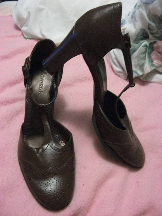 Brown size 9 1/2 Strappy 3 Inch Vintage Heels by George Gently Worn Only 8USD