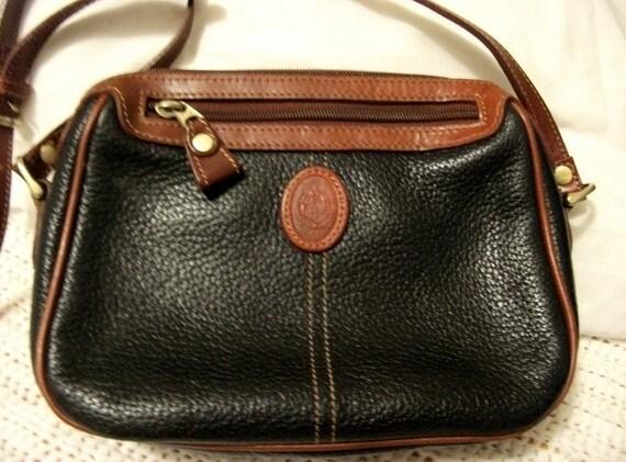 Liz Claiborne Vintage Black Leather Classic Shoulder Bag Purse w Adjustable Strap Only 8 USD