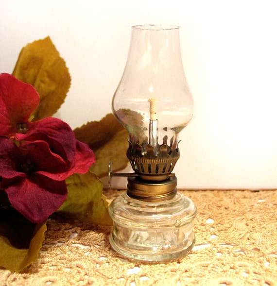 Vintage Oil Lamp Small Old Fashioned Romantic Candle Light Decor