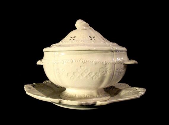 RESERVED for Sara....Vintage Italian Tureen Serving Dish by Ceramic Artist Antonio Zen Nove