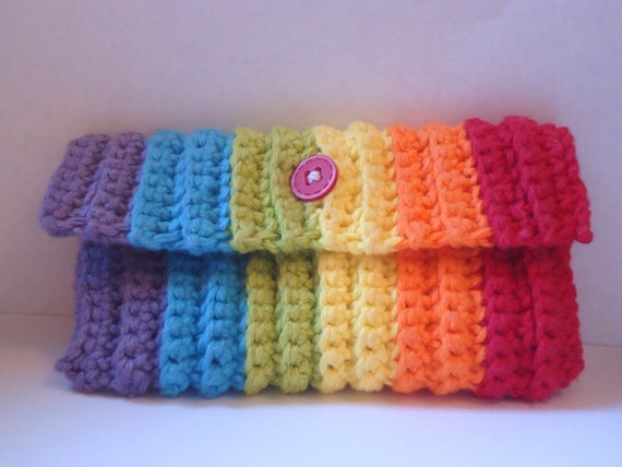Items similar to Crochet pencil case ipod touch cozy on Etsy