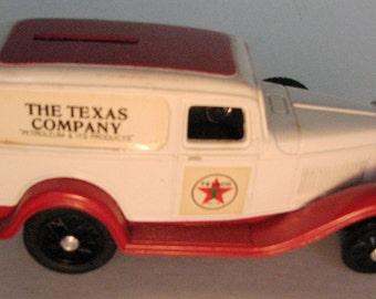TEXACO TRUCK Bank from 1986  ----  3rd in the Series