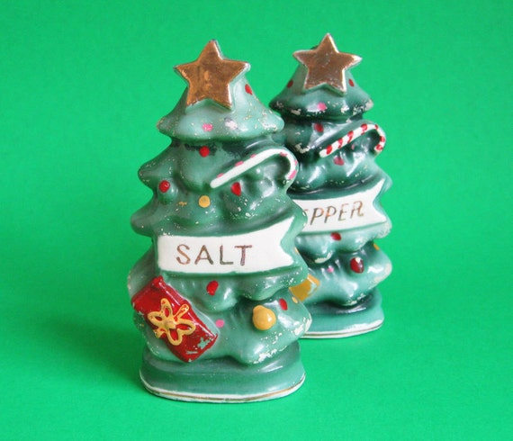 Vintage 1950's Christmas Tree Salt and Pepper Shakers - Mid Century Retro Vintage Antique Salt and Pepper Christmas Decor Decoration
