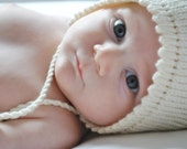 Ivory Baby Hat Knitted in 100% Merino Wool - Free shipping Worldwide