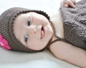 Babyhat knitted in 100% pure Merino Wool - shipping included worldwide