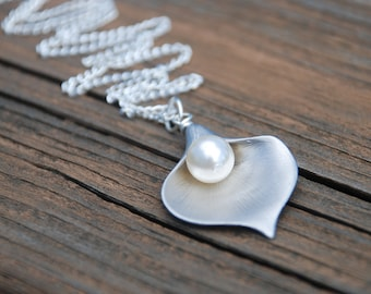 Large Calla Lily Pearl Silver Necklace