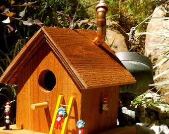 """Title: """"Cat In The Hat"""" Birdhouse"""