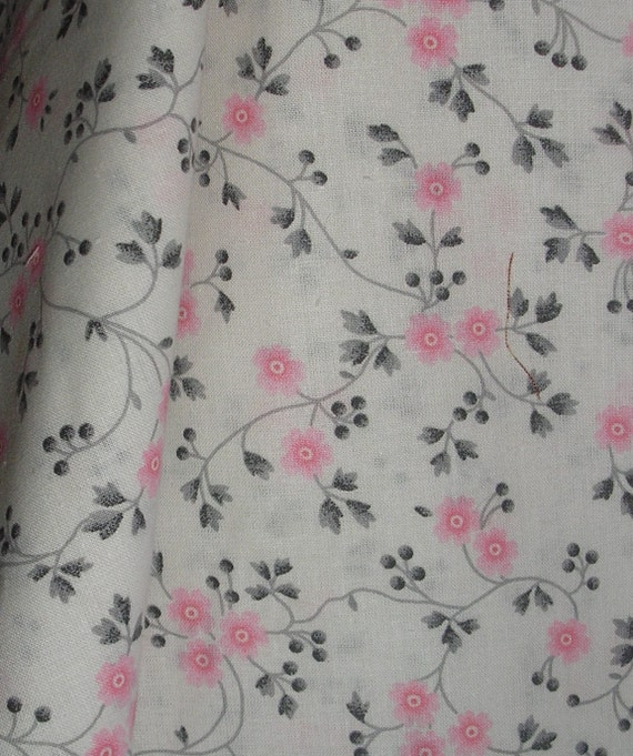 1 yard , 45 inch wide, 100% Cotton White with Pink Flowers Print Fabric
