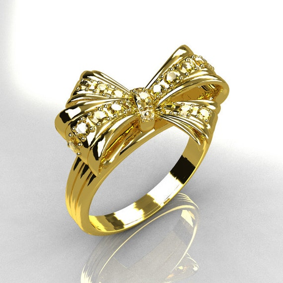 10 000 Up Diamond: Items Similar To Classic Style 10 Karat Yellow Gold Pave