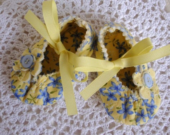 Baby Girl Shoes in Yellow and Blue, 3 to 6 Months