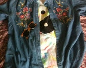 Grunge Vintage Stitch Color Jean Hummingbird Button Down Top
