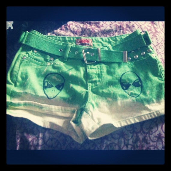 GRUNGE bright green OMBRE alien studded shorts with free belt