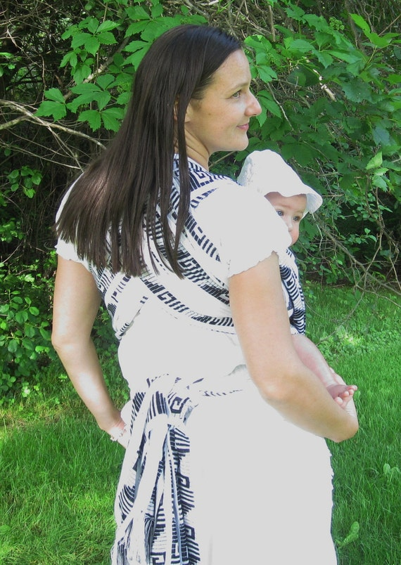5 meters, Authentic Mexican fabric Baby sling wrap, Woven, non stretchy. Classy Black and White with traditional pattern.