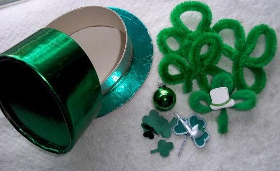 Enchanting Vintage Emerald Green Paper St Patrick's Hat Box