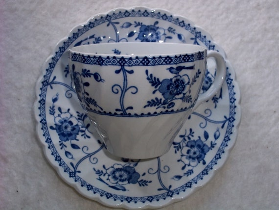 """Vintage Johnson Brothers """"indies"""" Pattern Cup and Saucer"""