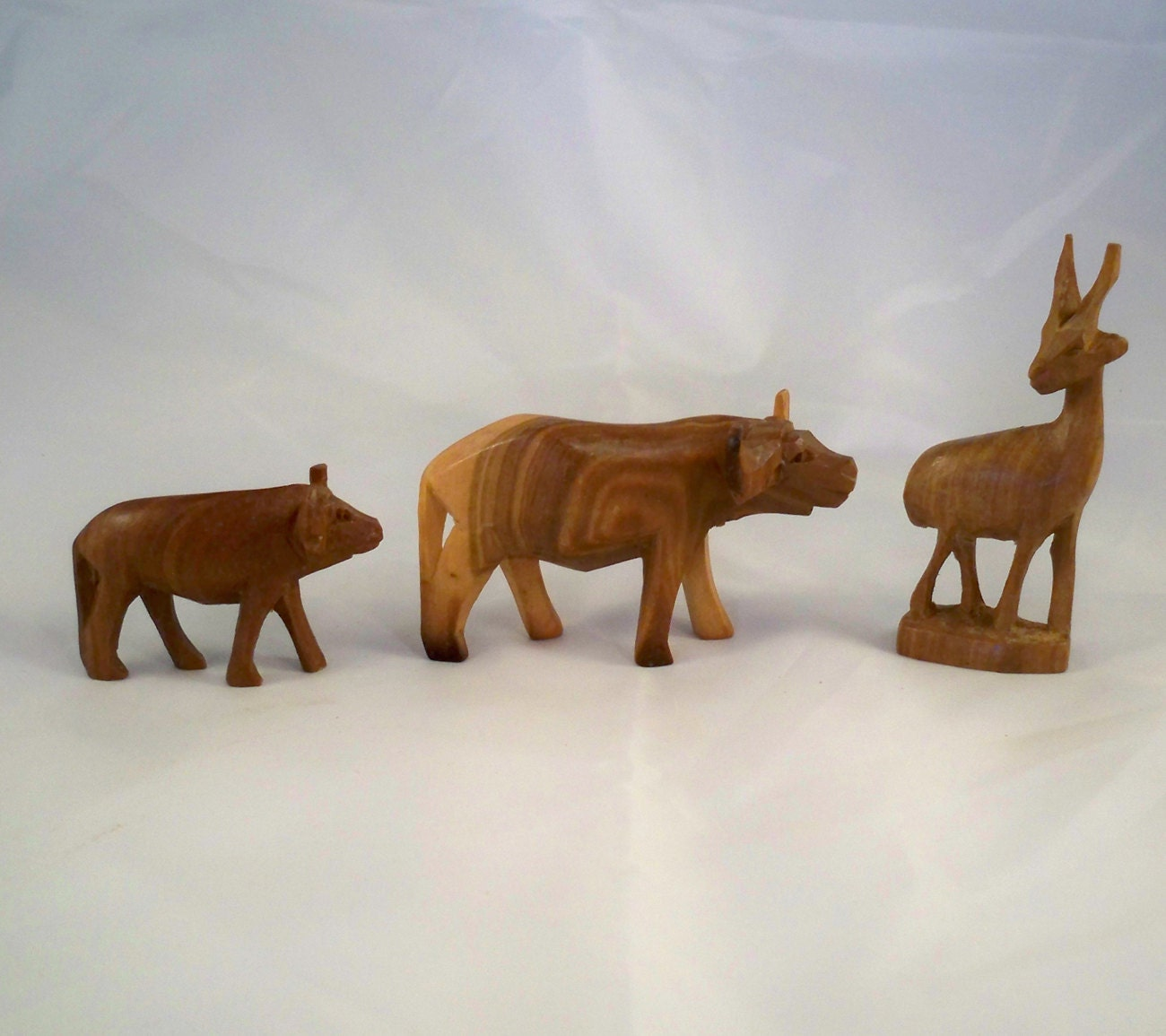 Sale wood carved animals water buffalo and baby plus