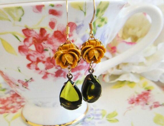 40% OFF SALE. Olivene Flower Earrings. Mustard Yellow Flower.  Fall. Fashion. Vintage Glass Stone. Autumn Flower Earrings.