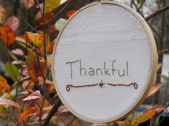 Thankful Embroidery in Hoop Thanksgiving Decor