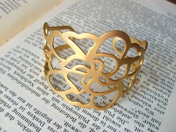 Beautiful Cuff-bracelet, with unique cut-out design (gold plated 24K)