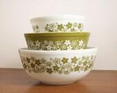Pyrex Nesting Mixing Bowls, Green Crazy Daisy