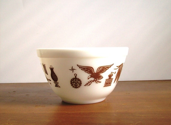 Pyrex Mixing Bowl: Early American, Small
