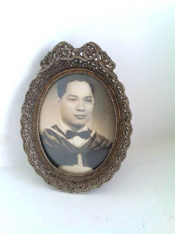 Frame It Up- Vintage Concave Ornate Frame